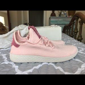 Adidas (Pharrell Williams) zapatos poshmark